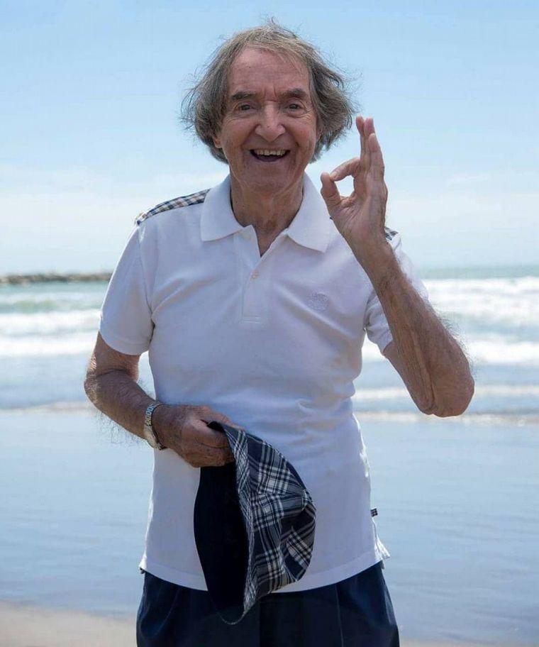FOTO: Carlitos Balá celebra sus 95 años.