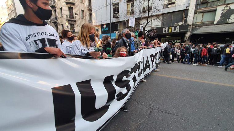 FOTO: Los familiares de Blas Correas se manifiestan en las calles de la ciudad.