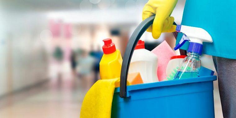 FOTO: Británica murió al inhalar el gas que liberaron dos productos de limpieza.