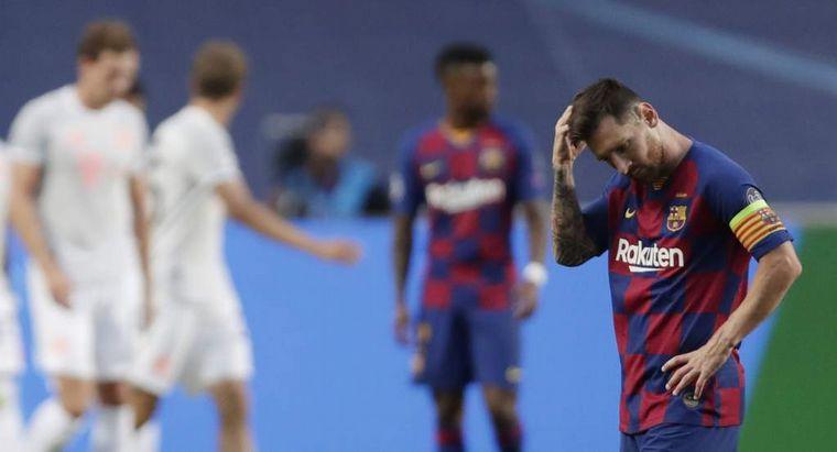 FOTO: Lionel Messi sufrió la dura derrota del Barcelona.