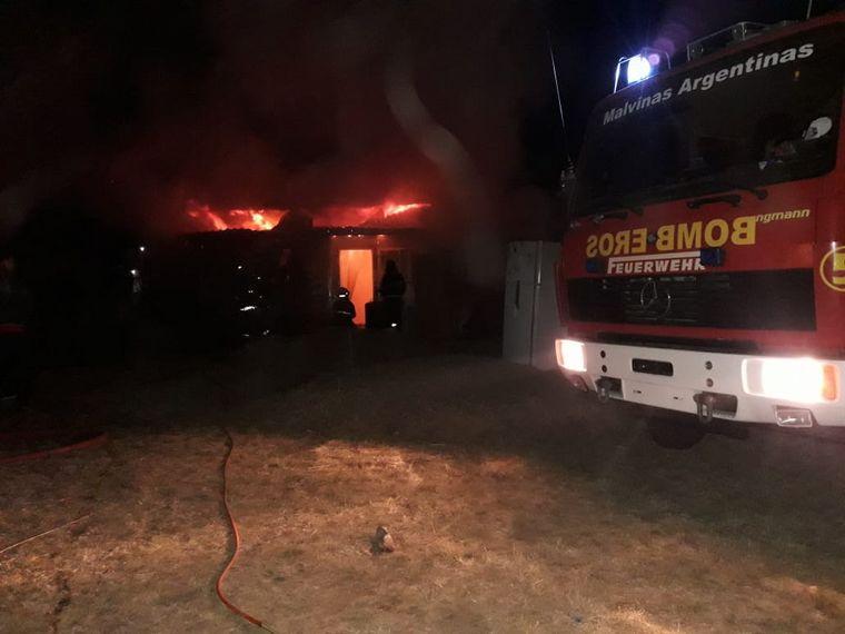 AUDIO: Enfermero del Hospital San Roque se quedó sin vivienda por un incendio.
