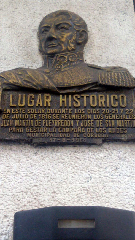 FOTO: La histórica esquina donde se reunió San Martín y Pueyrredón