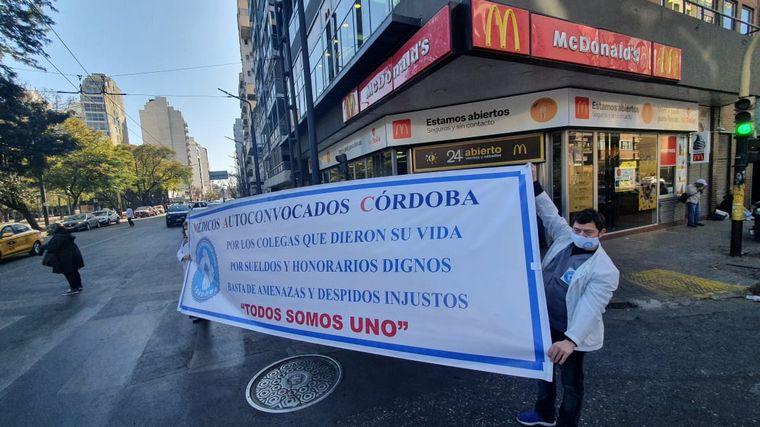 FOTO: Marcha de médicos en Córdoba Capital.
