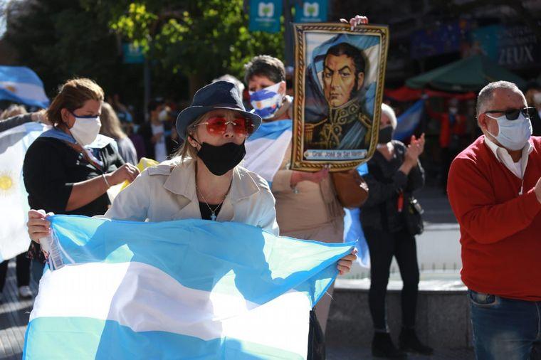 FOTO: Banderazo 17A en Mendoza