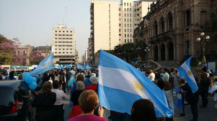 VIDEO: Así se vivió el banderazo 17A en Tucumán