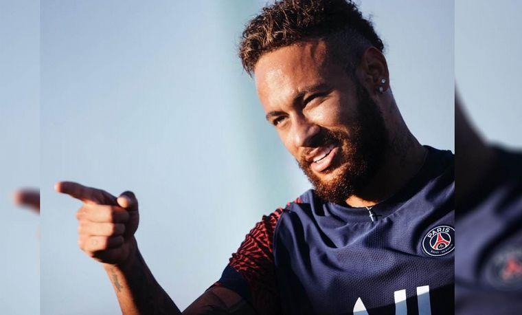 FOTO: Neymar sale con la ex de Maluma