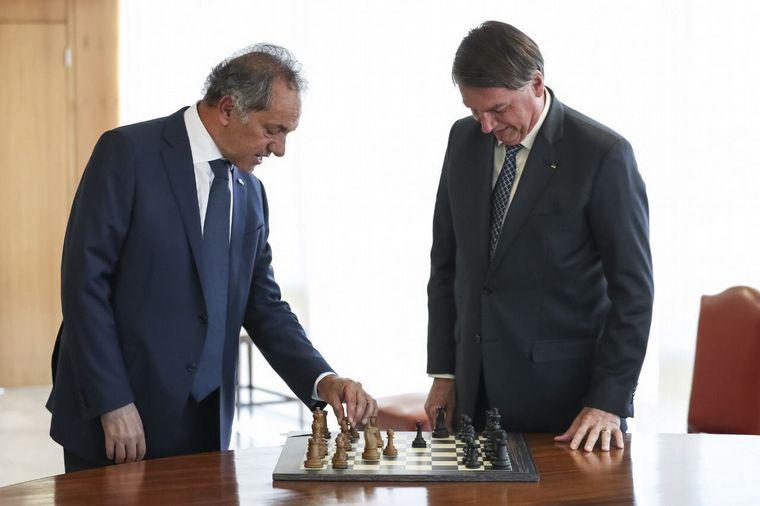 FOTO: Scioli y Bolsonaro, juntos en Brasil.