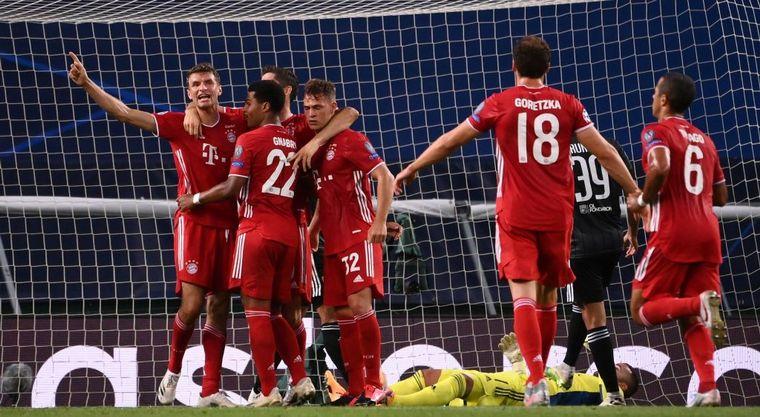 FOTO: Bayern Munich, imparable ante Lyon.