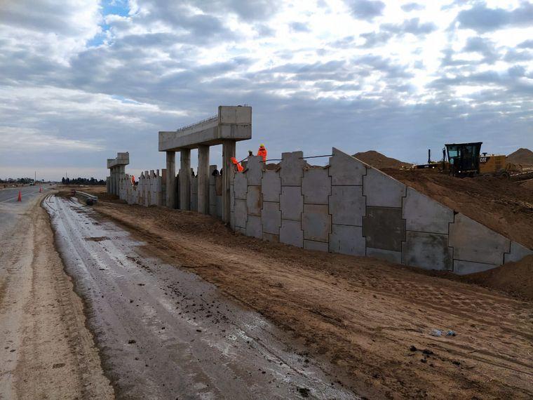 FOTO: Se reactivaron las obras en el tramo de la Autopista Córdoba y San Francisco
