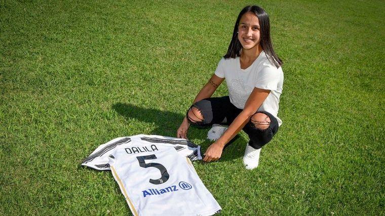 FOTO: La juvenil argentina Dalila Ippolito hizo historia y firmó en Juventus.