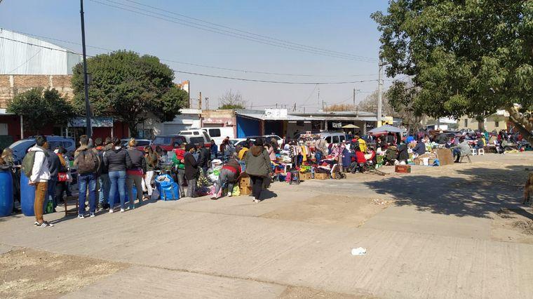 AUDIO: Volvió la feria a Villa El Libertador a pesar de estar prohibida.