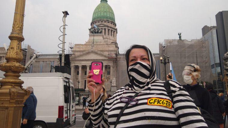 FOTO: La protesta fue convocada bajo el hastag #27A