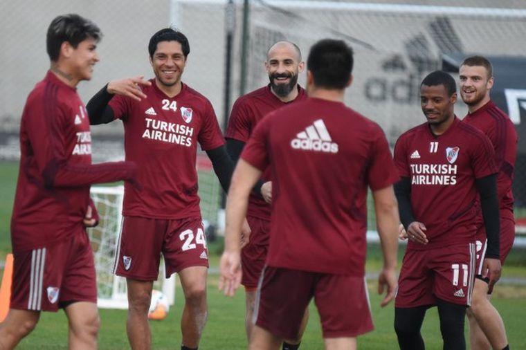 FOTO: Los jugadores de River permanecerán en el predio de Ezeiza todo el fin de semana.
