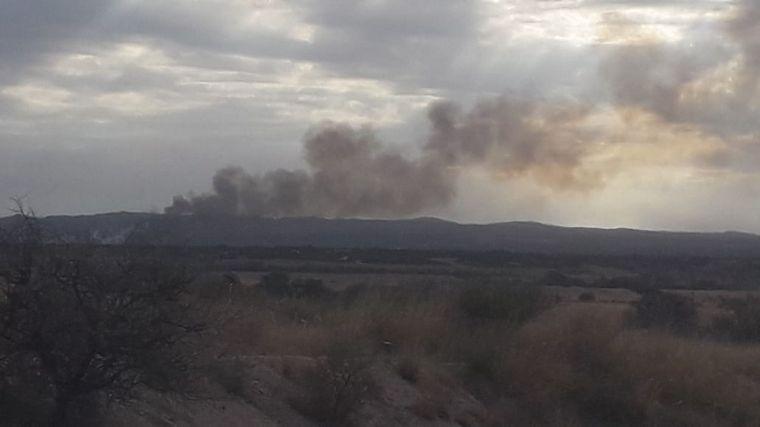FOTO: Fue contenido el incendio en el paraje La Cocha, en la zona de Panaholma.