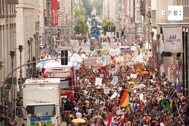 FOTO: Manifestaciones antimascarillas en Berlín.