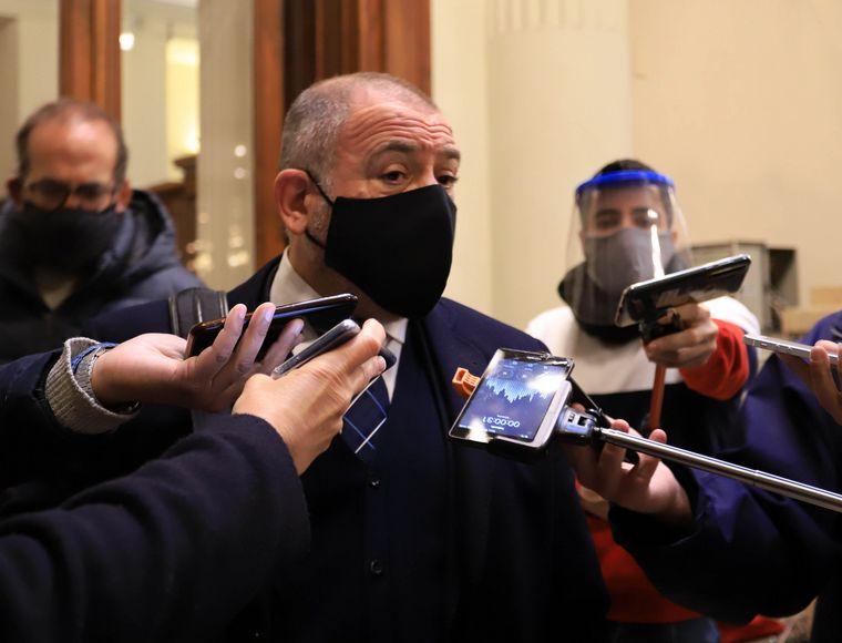"""FOTO: Mario Negri: """"Para nosotros esta sesión no es válida""""."""