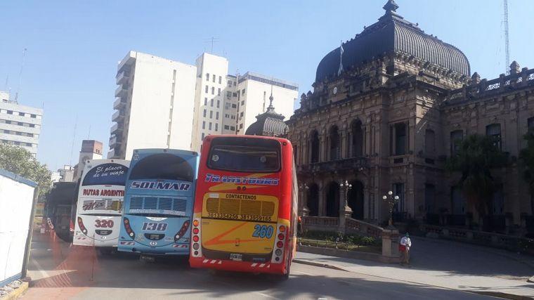 AUDIO: Empresas de transporte y turismo coparon Plaza Independencia