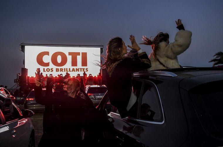 AUDIO: Coti Sorokin cantó en el primer autoconcierto del país.