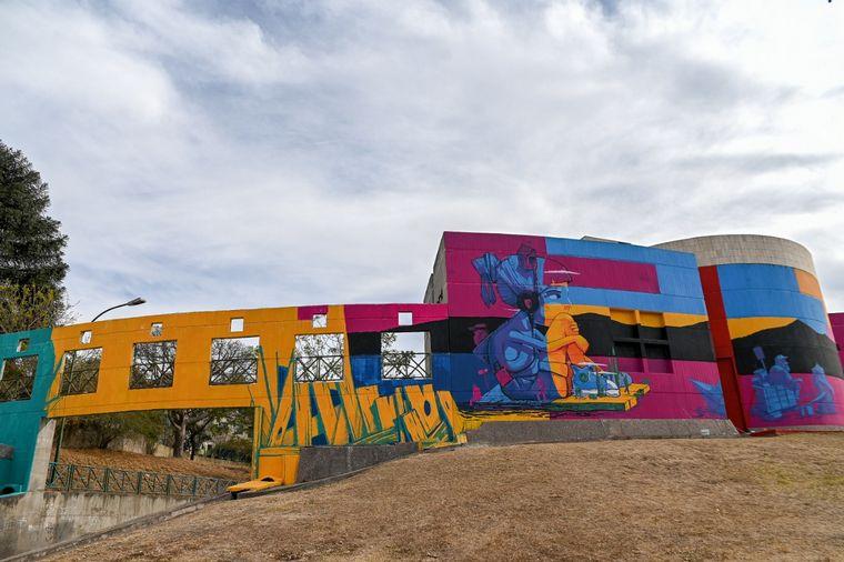 FOTO: Inauguraron un impresionante mural en el CPC Pueyrredón.