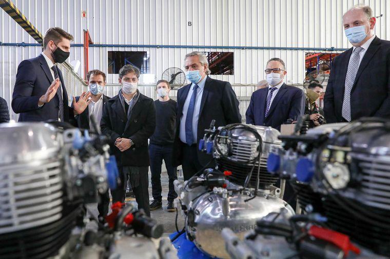 FOTO: Alberto participó del lanzamiento de la producción local de motos Royal Enfield.