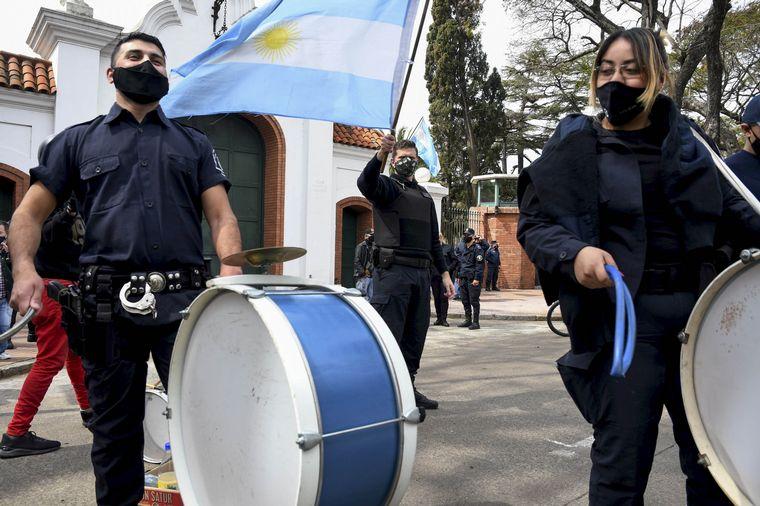 FOTO: La policía bonaerense pide una mejora salarial.