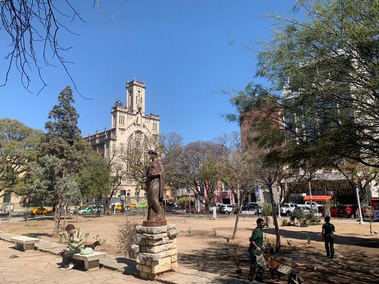 AUDIO: Con luminarias y parquización, revalorizan la Plaza Colón