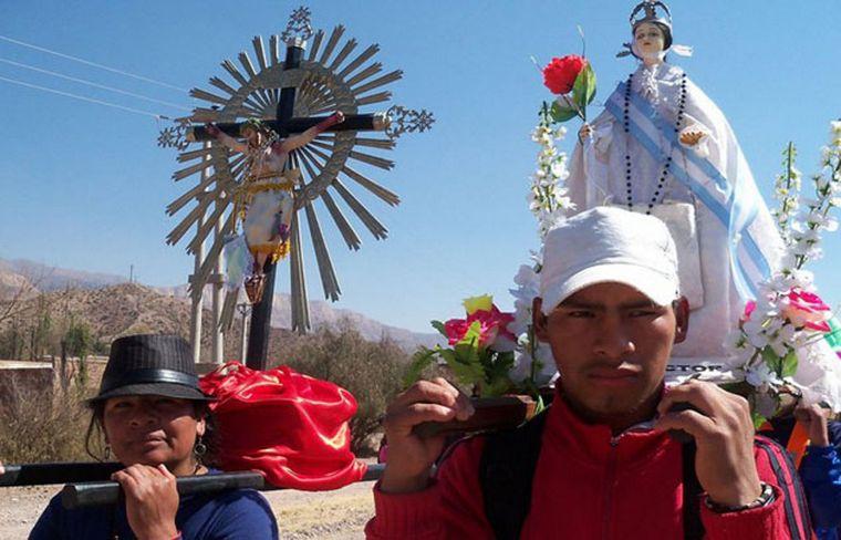 FOTO: Cada año cierra el 15 de septiembre con una convocante procesión. (Foto archivo).