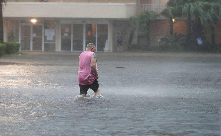 FOTO: El huracán Sally tocó tierra y esperan inundaciones históricas