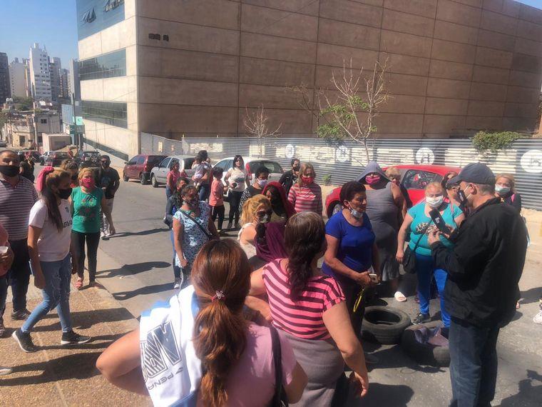 FOTO: Familiares de detenidos en Bouwer protestan en Tribunales 2