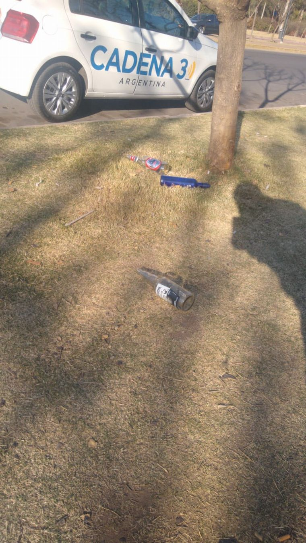 AUDIO: El Parque Sarmiento amaneció repleto de botellas de bebidas alcohólicas