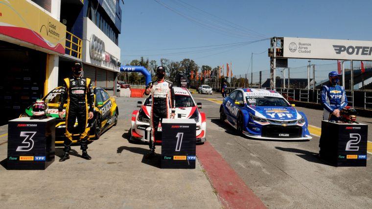 FOTO: La espectacular largada del Súper TC2000 en el Sprint de hoy en el Gálvez