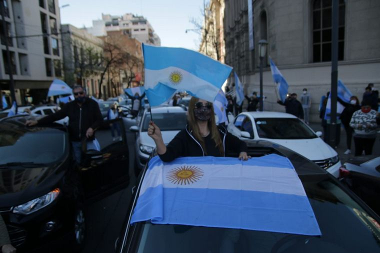 FOTO: Banderazo contra el gobierno en Córdoba