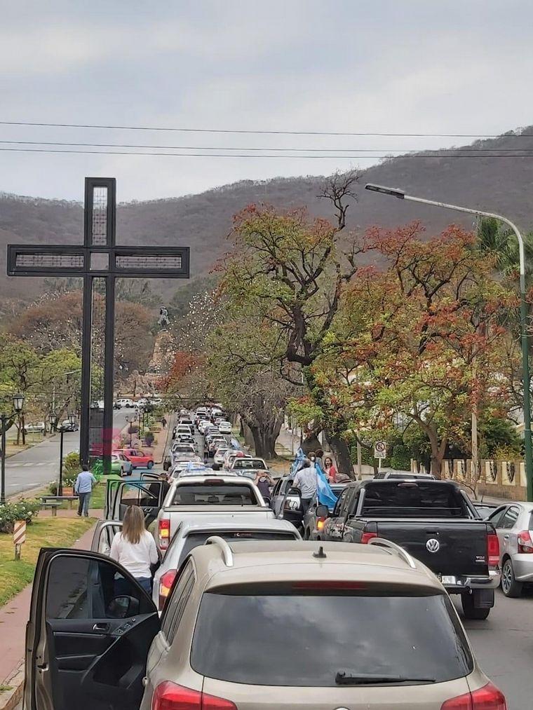 FOTO: Banderazo contra el gobierno en San Juan.