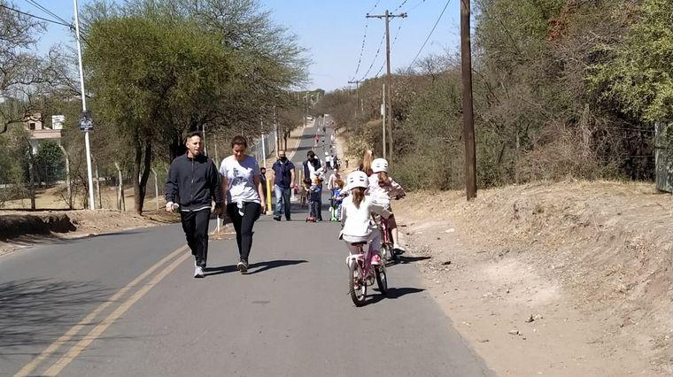 AUDIO: Por acción vecinal, inauguraron peatonal para niños entre Villa Warcalde y La Calera