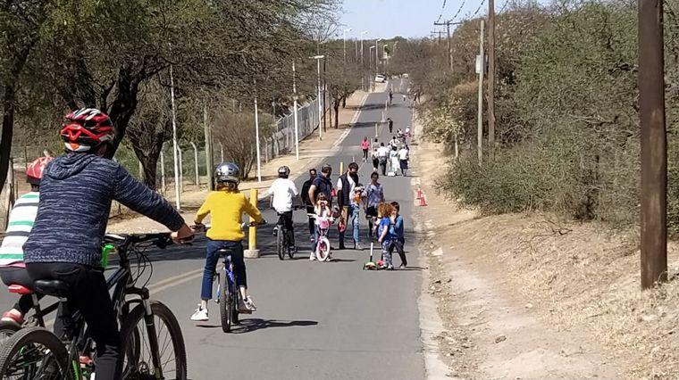 FOTO: Vecinos lograron la apertura de una peatonal en Villa Warcalde y La Calera.