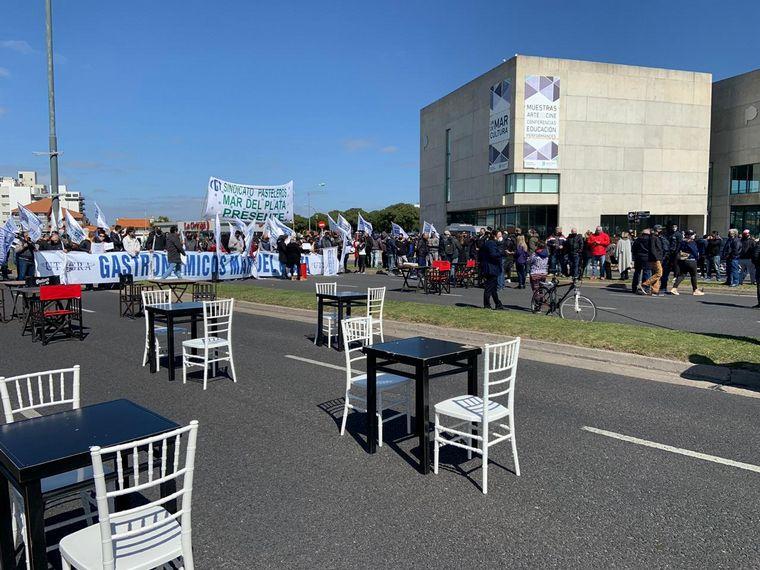 FOTO: Protestas en Santa Fe de agentes de turismo.