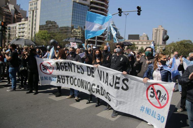 FOTO: Los agentes de turismo de Córdoba se concentraron en pleno centro.