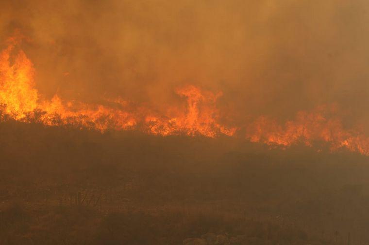Quedan dos incendios activos en la provincia de Córdoba - Informados, al  regreso - Cadena 3 Argentina