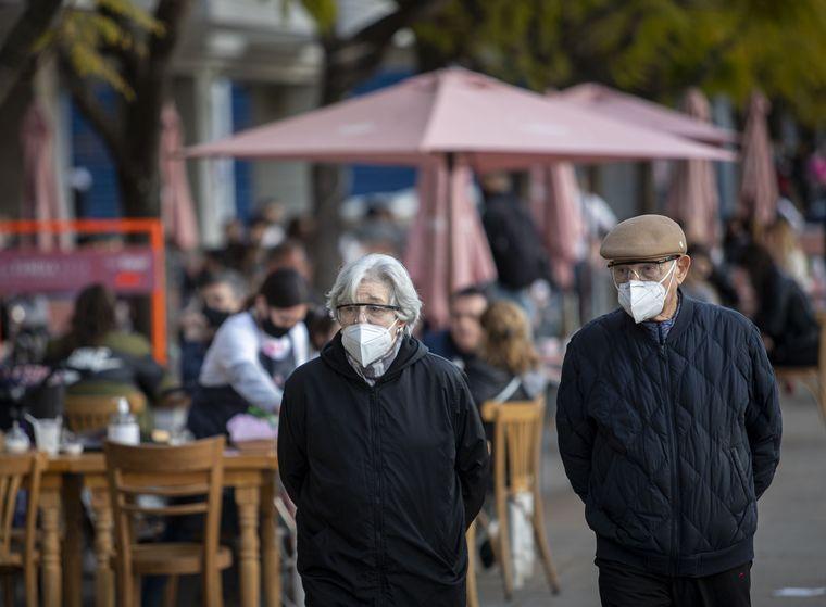 FOTO: Las muertes por coronavirus ya suman 14.766 en Argentina.