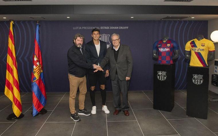 """FOTO: """"Santiago es un jugador con el ADN de Barcelona"""", dijo Foglia."""