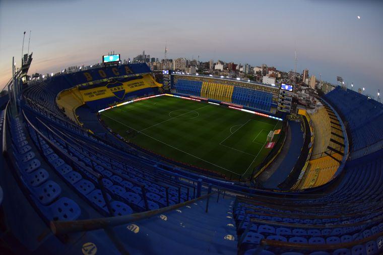 FOTO: Boca volvió a jugar en La Bombonera tras 203 días.