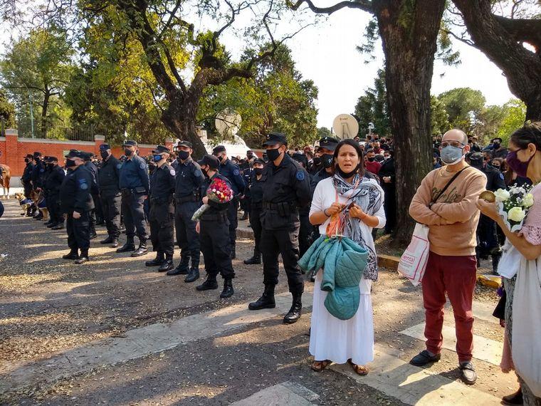 AUDIO: Último adiós al policía asesinado en Palermo