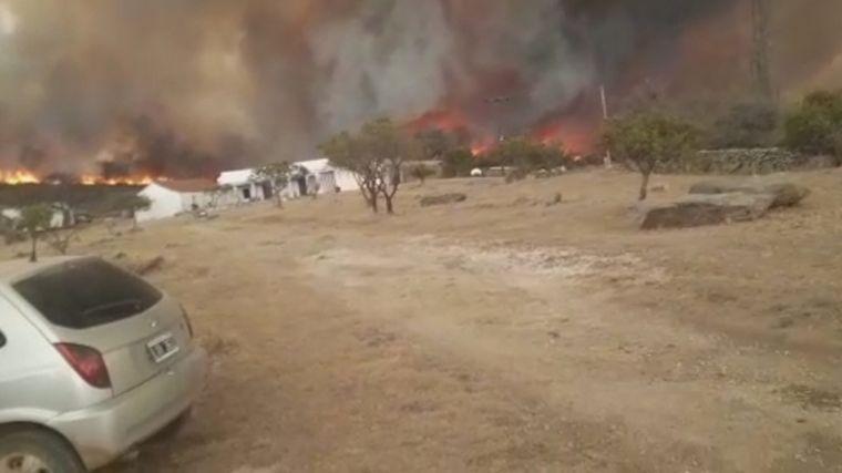 AUDIO: Dramático incendio en la zona de la Estancia La Candelaria