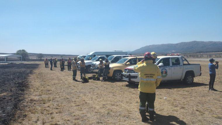 FOTO: Brigadistas enviados por Nación se suman al combate de los incendios.
