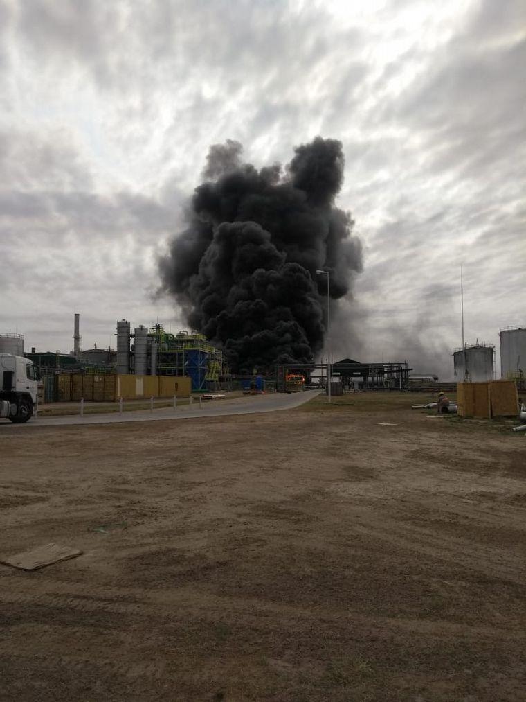 FOTO: Impactante incendio en la planta AcaBio
