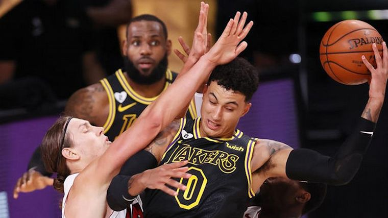 FOTO: Los Angeles Lakers pusieron la serie 2 a 0 frente a Miami Heat.