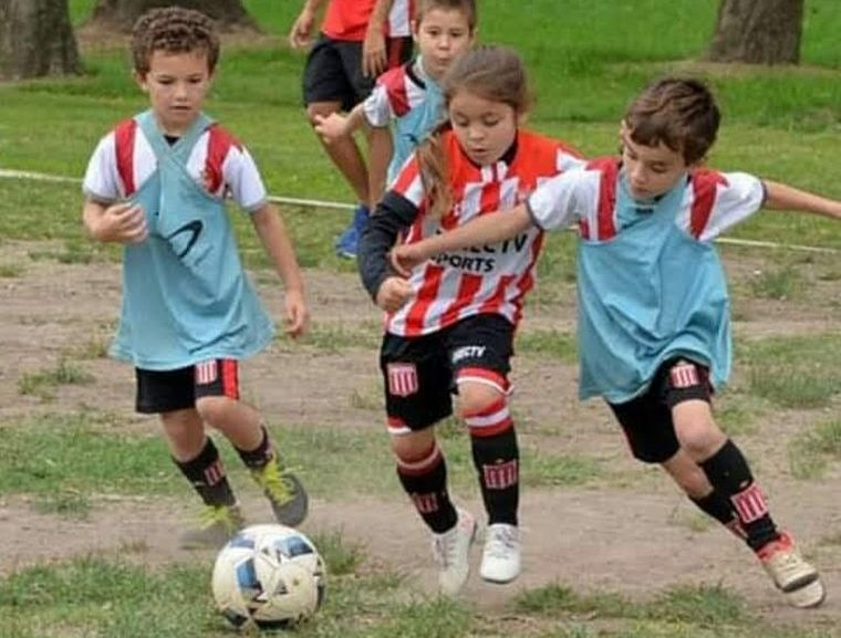 AUDIO: A los 7 años, Felicitas Flores demuestra que el fútbol no tiene género