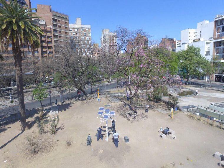 AUDIO: Instalaron árboles solares en Córdoba