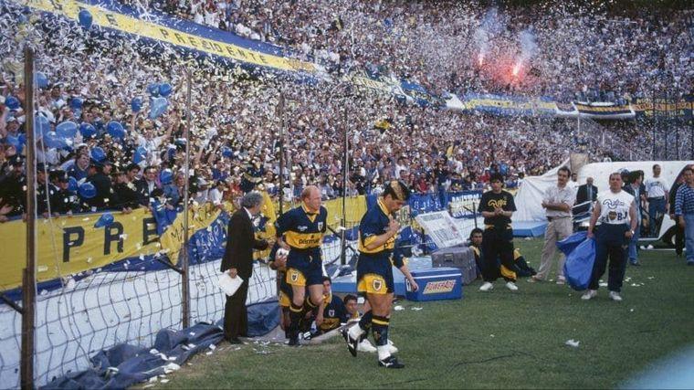 FOTO: Gimnasia le renovó el contrato a Maradona hasta 2021.