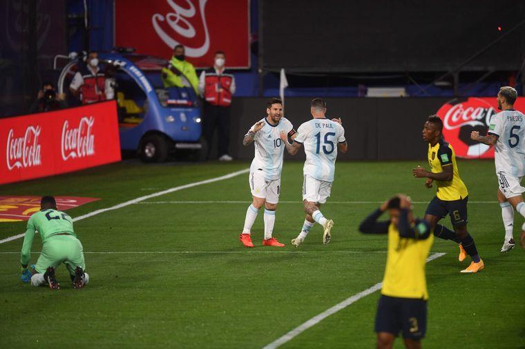 FOTO: Argentina se impuso ante Ecuador por 1-0 en el inicio de las Eliminatorias.